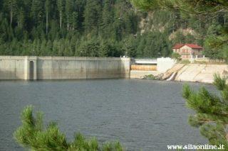 Lago Ampollino. La diga