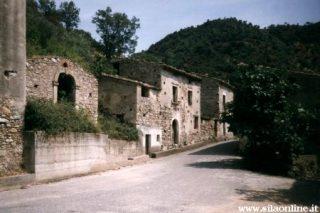Carello di San Giovanni in Fiore. Il villaggio fantasma.