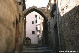 San Giovanni in Fiore (cs). Arco Normanno.