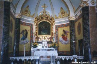 Chiesa di Pentone. Interno.