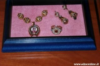 Tradizionali gioielli prodotti da orafi di San Giovanni in Fiore